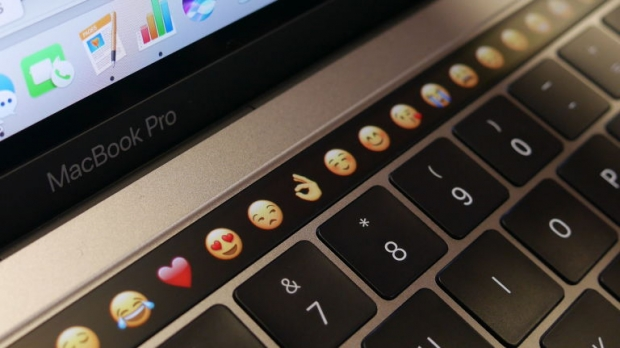 Former Apple worker admits the touch-bar was pointless